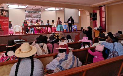 """Mujeres de la población Aymara de Huacullani  en Puno, expresan de manera directa la problemática social y económica,  en el """"I Congreso de Mujeres Aymaras de Huacullani- Puno"""""""